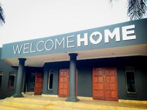 Although this is not the actual campus that I attend, this is the Pretoria campus but I wanted you to see the Welcome Home sign.